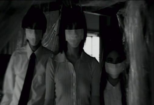 DEAD GIRL WALKING (怪奇!死人少女 怪奇!) de Shiraishi Kôji (2004)