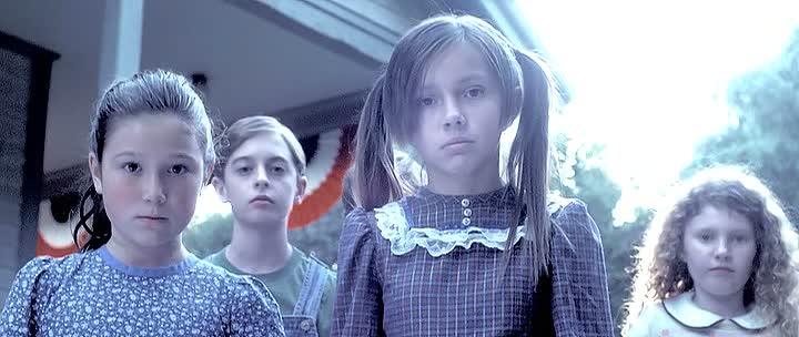 CHILDREN OF THE CORN: GENESIS de Joel Soisson (2011)