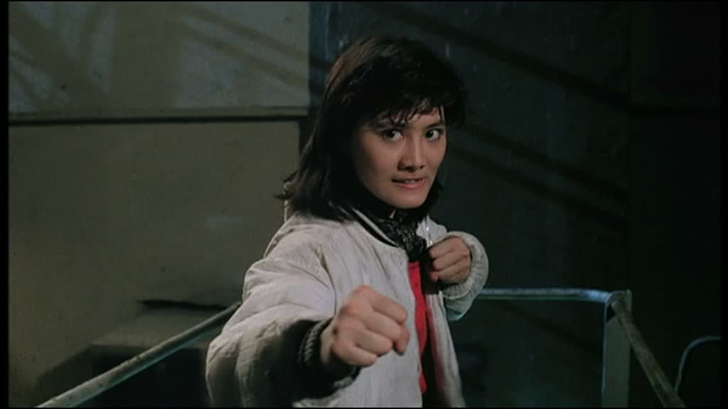 LE SENS DU DEVOIR 4 (皇家師姐IV直擊證人) de Yuen Woo-Ping (1989)
