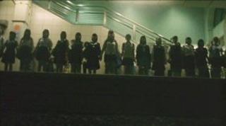 SUICIDE CLUB (自殺サークル) de Sono Sion (2002)