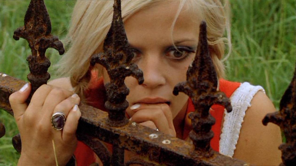 REQUIEM POUR UN VAMPIRE de Jean Rollin (1971)