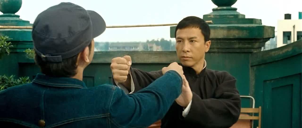 IP MAN 2 : LE RETOUR DU GRAND MAÎTRE (叶问2:宗师传奇) de Wilson Yip (2010)